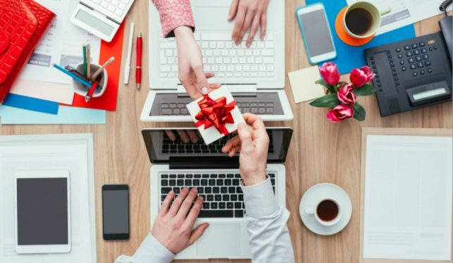 10 Gifts for Employees While They Work From Home